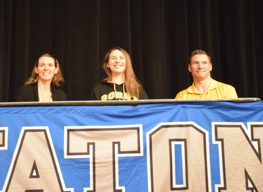 Jenna Gleason signs to play Division II track & field at Dordt University
