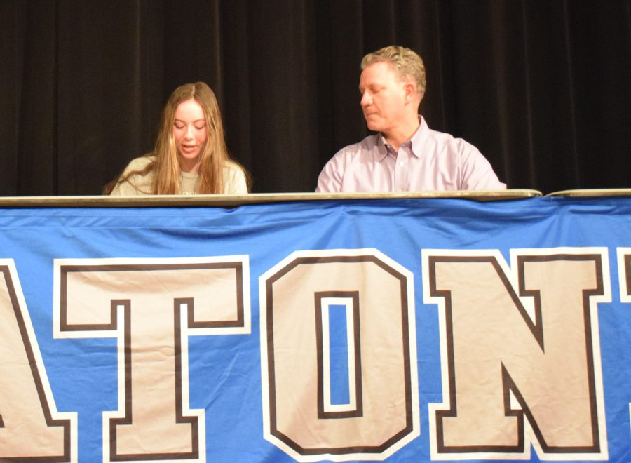 Anna Herzog signs to play Division III soccer at University of Wisconsin, Scout
