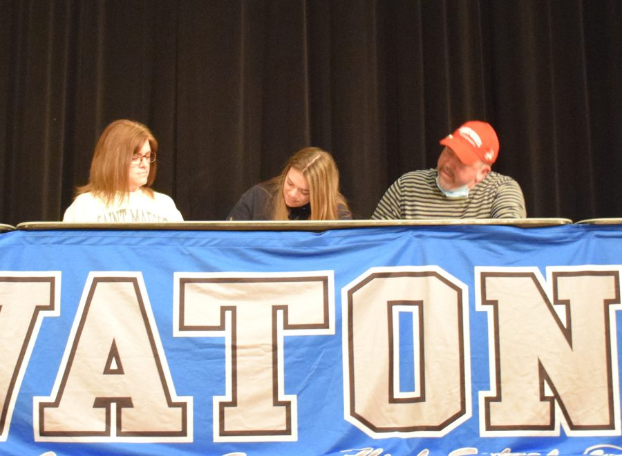 Maggie Newhouse signs to play Division III basketball at Saint Marys University of Minnesota