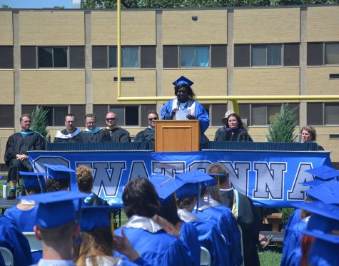 Wilo Omot giving the second speech of the 2021 Class